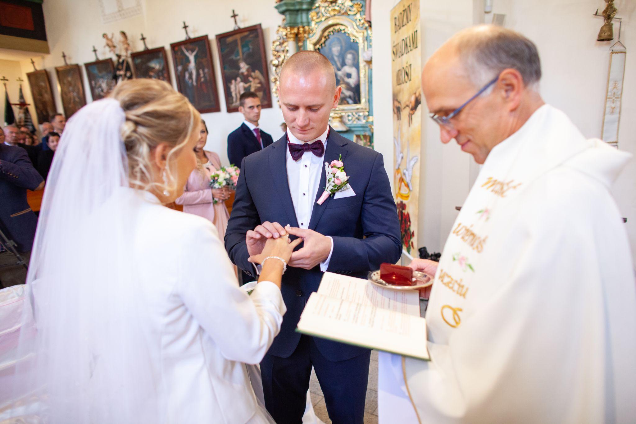 Reportaż fotograficzny ze ślubu oraz wesela 38